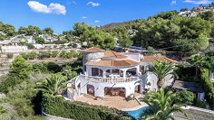 Lovely mediterranean villa for sale in sought after area of Moraira el Portet