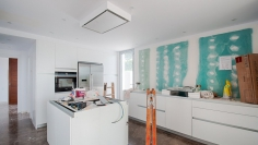 Mooie nieuw gebouwde moderne Ibiza stijl villa dichtbij Moraira centrum en het strand
