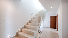 High quality contemporary family home with lovely sea views