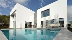 Luxe moderne villa's op schitterend resort