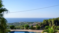 Beautiful sea view bungalow in sought after area
