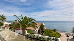 Unique frontline beach villa fully renovated with amazing views to the sea