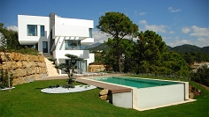 Spectaculair contemporary villa in dominant position with stunning sea and nature views