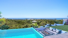 Stunning private villas with fantastic golf and sea views!