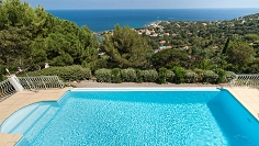 Very spacious villa with stunning sea views, ideal investment as holiday rental complex