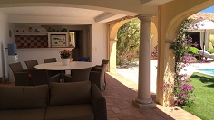 Charming Provencal sea view villa close to Les Issambres center for excellent price!