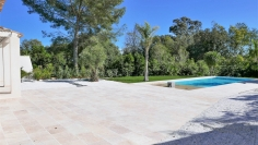 Fully renovated and modern house walking distance to the beach and golf course