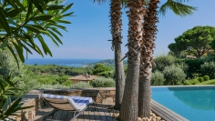 High quality modern villa with stunning views close to La Nartelle beach