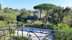 Superb charming villa of the 30s at walking distance to the beach and golfcourse