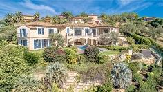 Imposante villa in privé domein met indrukwekkend uitzicht over de baai van Saint Tropez