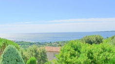 Beautiful villa with panoramic sea views close to the beach