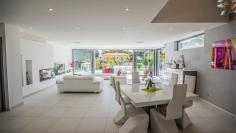 Schitterende moderne villa op korte loopafstand van het strand