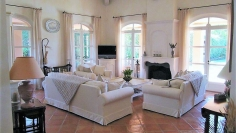 Immaculate and charming villa in secure domain with private beach and golf