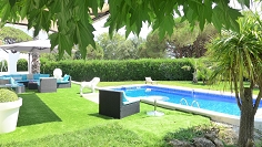 Very well priced lovely villa in Grimaud in secure domain with access to private beach