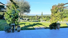 Beautiful contemporary villa set in a great central location in the Saint Tropez area