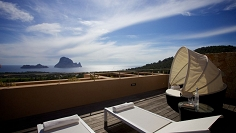 Beautiful large 4 bedroom apartment with stunning Es Vedra views