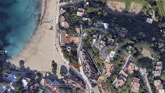 Gloednieuw modern appartement pal aan het strand in Cala Vadella