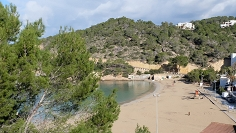 Beachfront top floor 1 bedroom apartment with huge roofterrace in Cala Vadella