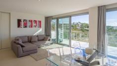 Schitterend modern penthouse op loopafstand van Talamanca strand
