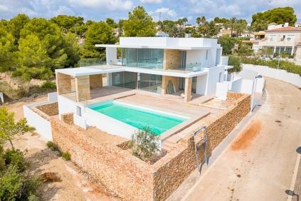Beautiful new build modern ibiza style villa close to Moraira centre