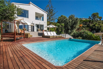 Ideal Family villa with 2 separate guest units and wonderful sea views