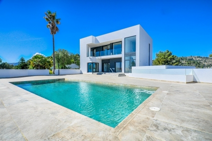 PHENOMENAL VILLA IN BENISSA WITH FANTASTIC SEAVIEW