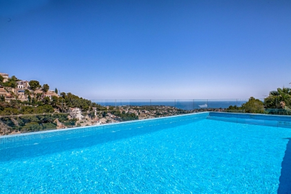Nieuwe moderne villa met panoramische zeezichten in Benissa