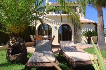Sfeervolle bungalow met prachtig zeezicht