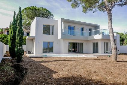 Leuke moderne nieuwbouw villa op slechts 300 m van het strand