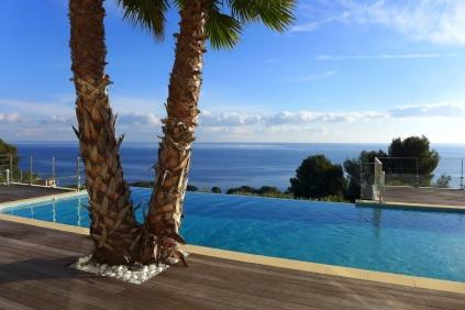 Fantastische moderne villa met spectaculair zeezicht