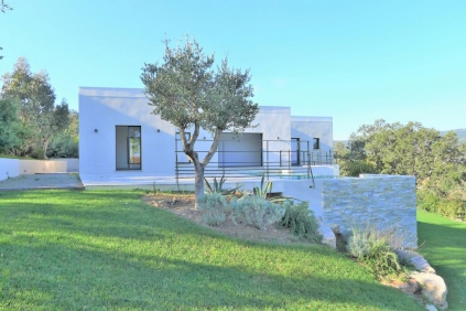 Beautiful contemporary villa with panoramic sea views