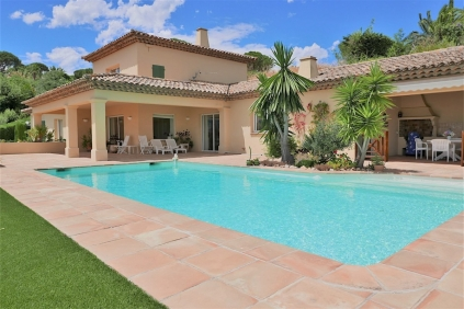 AAA-Location for this magnificent Provencal villa drastically reduced in price!