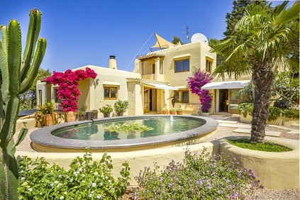 Beatuiful Ibiza villa with valid rental license and stunning sunset views