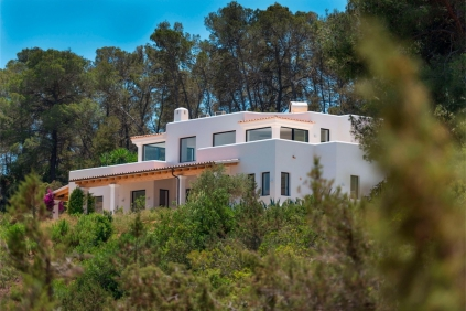 Amazing new build Ibiza finca with sea views, big plot and full privacy