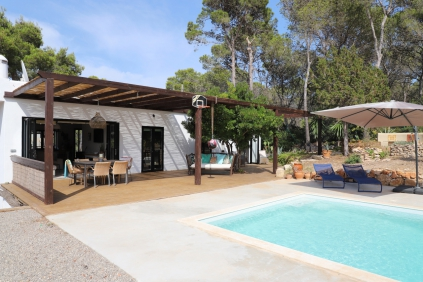 Lovely fully renovated villa in quiet area close to Cala Vadella beach