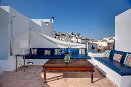 Uniek herenhuis in de haven van Ibiza stad!