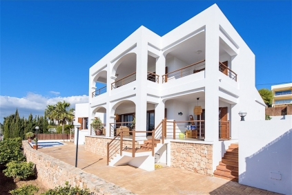 Geweldige zeezicht villa op loopafstand strand!