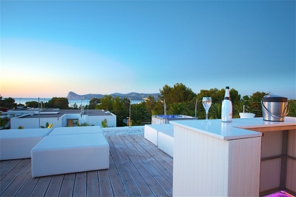 Mooie moderne villa dichtbij zee met verhuurlicentie!