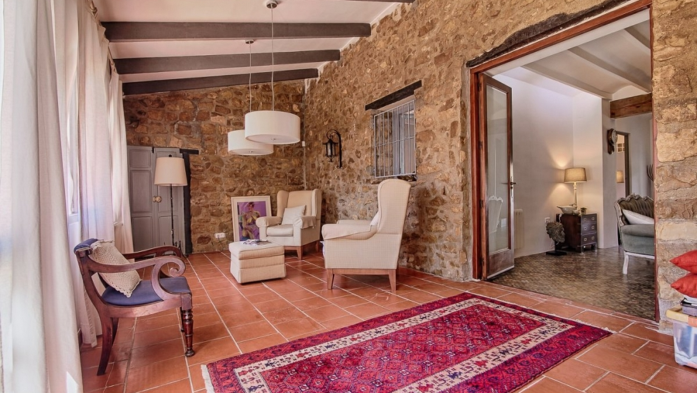 Beautiful authentic finca wit lots of space and privacy