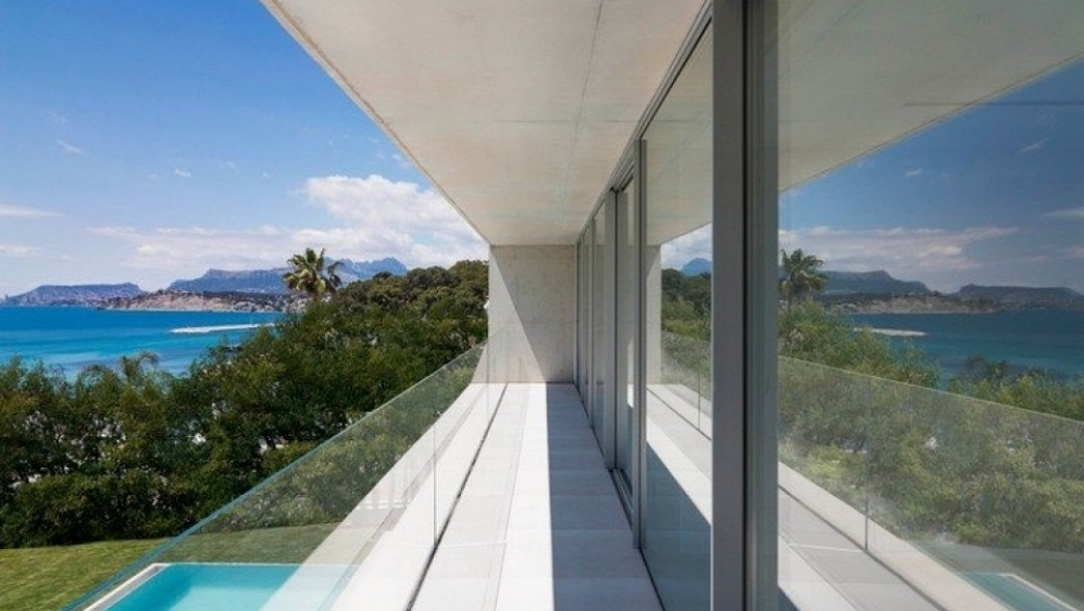 Stunning designer villa just 50 m from the beach in Moraira El Portet - Spectaculair price reduction!