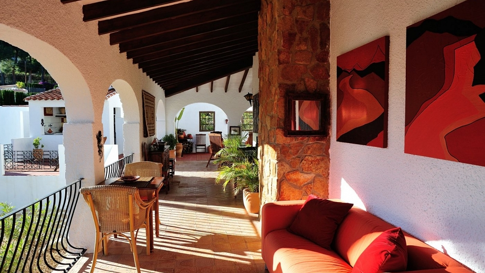 Stunning authentic finca within walking distance from Moraira centre