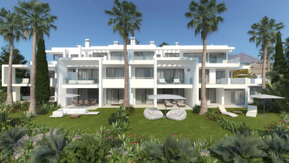 Beautiful new development featuring a crystal clear Lagune