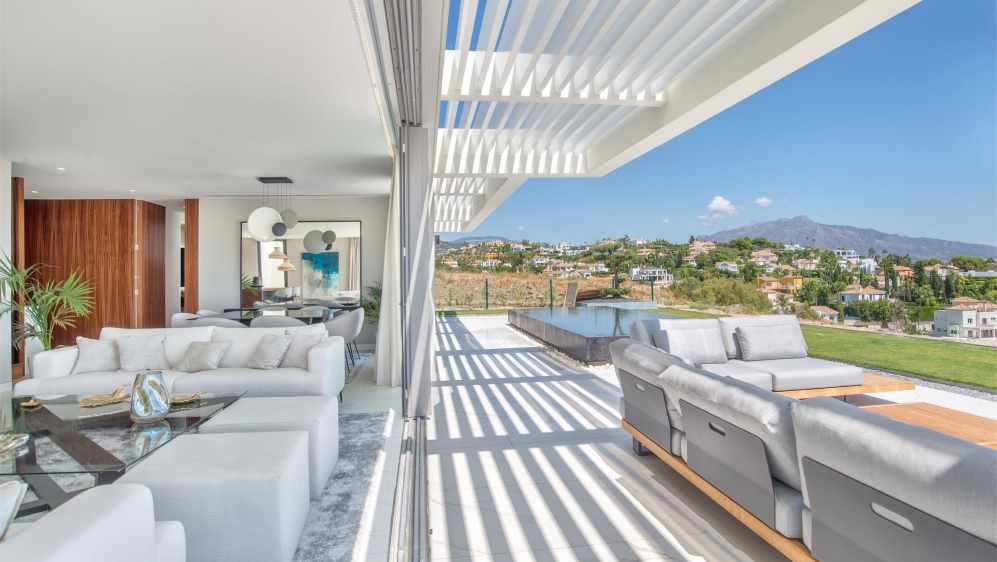 Amazing high end apartments and penthouse-villas with private plunge pool and fantastic views