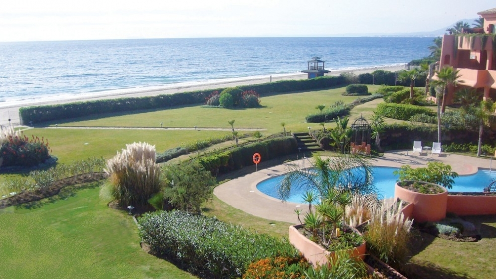 Beachfront development in Los Monteros Playa