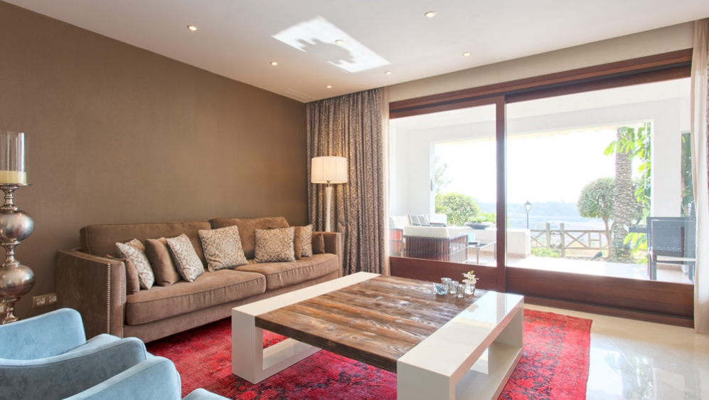 Stunning luxurious townhouse with sea and golf views