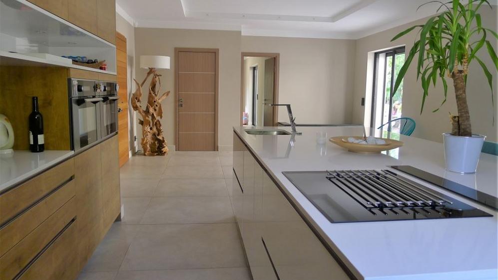 Stunning modern luxury villa close to the village of Plan de la Tour