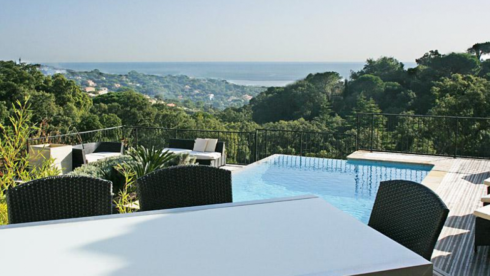 Spacious villa in lovely private domaine overlooking the bay of Saint Tropez