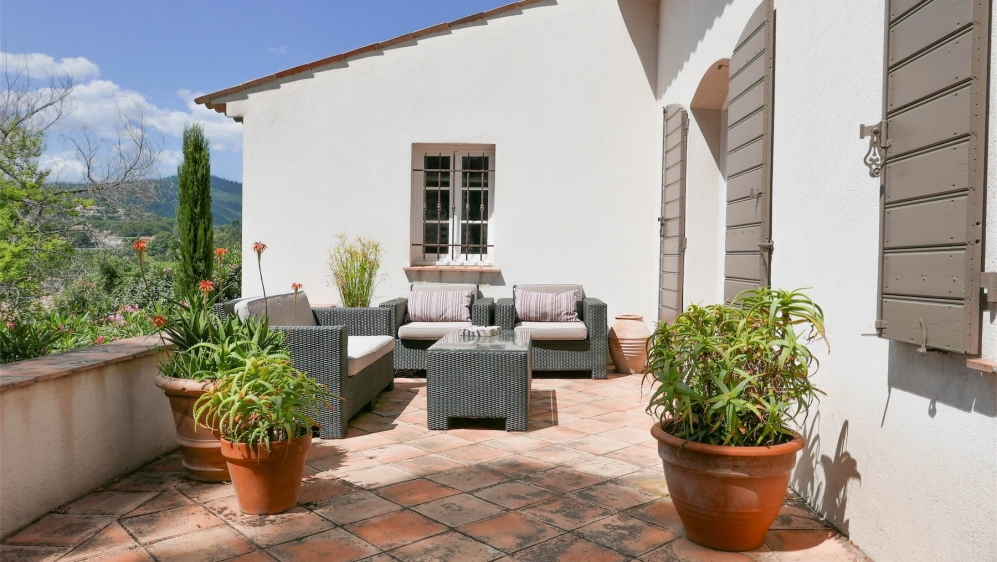 Beautiful charming bastide style villa with lovely garden