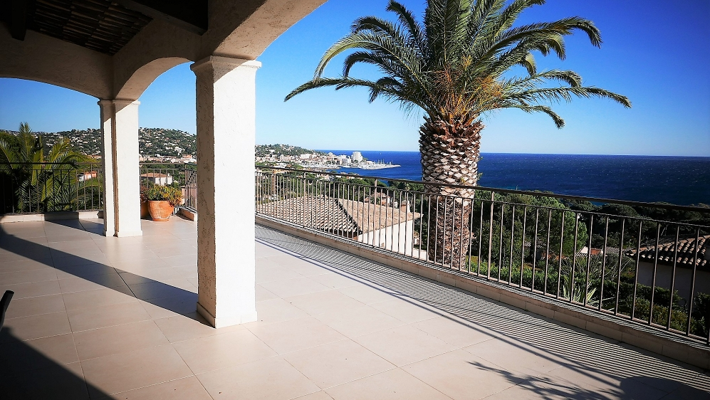 AAA-Location for this stunning Sea view villa