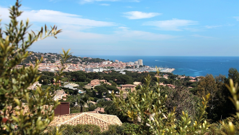 Stunning villa in secure domain with beautiful views of the sea and Sainte Maxime